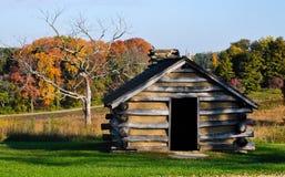 Rustieke cabine op gebied Stock Foto