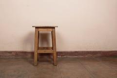 Rustieke houten kruk stock foto