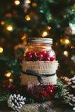 Rustieke Kerstmis Mason Jar Decor Stock Afbeelding