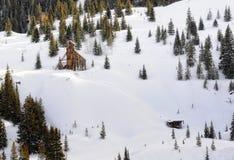Rustieke Mijn in de sneeuw Royalty-vrije Stock Afbeeldingen