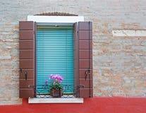 Rustieke muur met venster royalty-vrije stock foto's