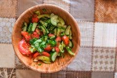 Rustieke salade in kom Royalty-vrije Stock Fotografie