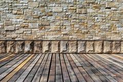 Rustieke steenmuur en houten vloer Stock Foto