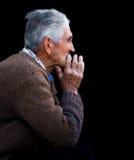 Rustig portret van een oude mens Stock Foto