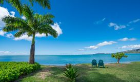 Rustige ochtend door de blauwe wateren van Maunalua-Baai, Hawaï Royalty-vrije Stock Afbeeldingen
