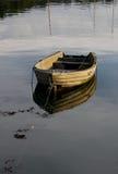 Rustige scène van het roeien van boot Stock Fotografie