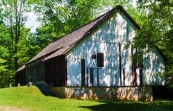 Rustikale alte Scheune im ländlichen Südwesten Virginia, USA Stockfotografie