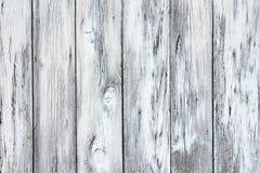 Rustikale Beschaffenheit von verwitterten hellgrauen gemalten hölzernen Brettern lizenzfreies stockfoto