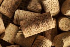 Rustikale Brown-Wein-Korken Stockbild