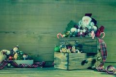 Rustikale Dekoration der Weinlese Weihnachtsfür eine Weihnachtskarte Stockfoto