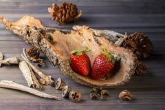Rustikale Erdbeeren Stockfotografie