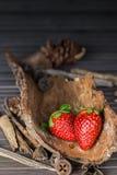 Rustikale Erdbeeren Lizenzfreies Stockbild