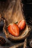 Rustikale Erdbeeren Stockbild