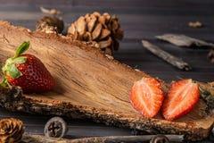 Rustikale Erdbeeren Lizenzfreie Stockfotos