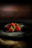 Rustikale Erdbeeren II Stockfoto