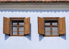 Rustikale hölzerne Fenster Lizenzfreies Stockfoto