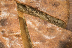 Rustikale heiße Torte mit dem Anfüllen Lizenzfreie Stockfotos