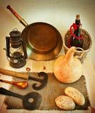 Rustikale Küchengeräte der Weinlese Lizenzfreies Stockfoto