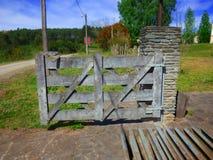 Rustikale Tür Garagentor Lizenzfreies Stockbild