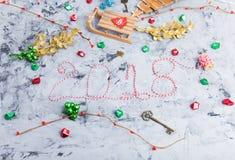 Rustikale Weihnachtsebenen-Lage, Text 2018 Lizenzfreie Stockfotografie