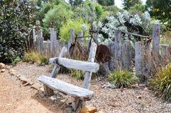 Rustikaler Garten-Dekor stockbilder