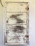 Rustikaler gealterter gemalter hölzerner Kasten Stockfotografie