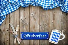 Rustikaler Hintergrund für Oktoberfest Lizenzfreie Stockfotografie