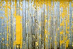 Rustikaler verwitterter Scheunenholzhintergrund Stockbild