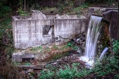 Rustikaler Wasserfall in einem Nationalpark Lizenzfreies Stockbild