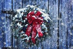 Rustikaler Weihnachtskranz Lizenzfreie Stockbilder
