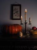 Rustikales Stillleben mit Kerzen Lizenzfreie Stockbilder