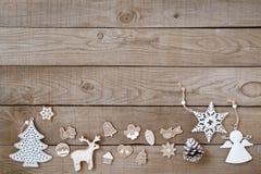 Rustikales Weihnachten dekorativ, Weihnachtsverzierung stockfotos