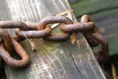 rusty łańcuszkowy Zdjęcie Stock