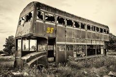 Rusty Abandoned Double-Decker Bus stockfoto