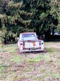 Rusty Blue Ford de atrás imagens de stock royalty free