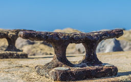Rusty Boat Dock Cleat 1 Royaltyfria Bilder