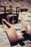 Rusty Car in de Woestijn royalty-vrije stock afbeeldingen