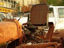 Rusty Car nell'iarda della ferraglia Fotografia Stock Libera da Diritti