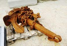 Rusty Chain y ancla Imagen de archivo libre de regalías
