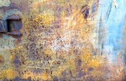 Rusty Colored Metal mit gebrochener Farbe Stockfotos