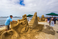 Rusty Croft. World Class Sand Sculpter Rusty Croft Sculpting The Man Who Wasn't There In San Diego, California, 2016 Stock Photos
