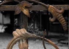 Rusty Gate- und Spinnen-Netze Stockbilder