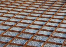 Rusty Metal Foundation Construction Grid en la arena Fotografía de archivo