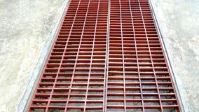 Rusty Metal Steel Grating på gatan Arkivbild