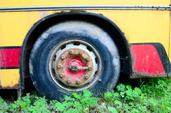 Rusty old bus wheel Royalty Free Stock Images