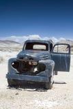 Rusty Old Truck im Geist-Stadt-Rhyolith herein in Goldwell-Freilicht M Lizenzfreies Stockfoto