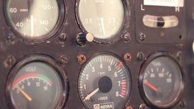 Rusty Plane Knobs et cadrans clips vidéos