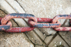 Rusty red chain Royalty Free Stock Images