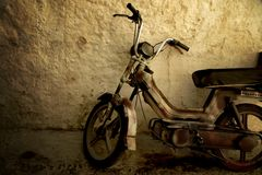 Rusty retro scooter Royalty Free Stock Image
