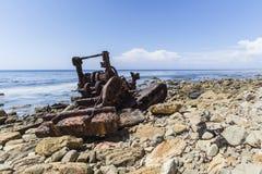 Rusty Shipwrecked Tractor i Rancho Palos Verdes California Arkivbild